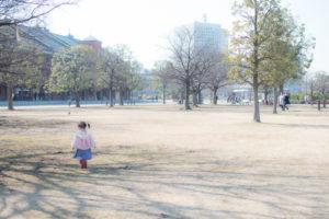 赤レンガと後ろ姿(Nikon D5500)