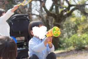 シャボン玉と男の子(Nikon D5500)